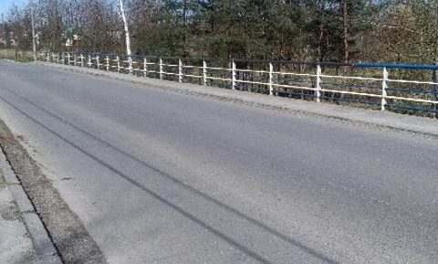 Szybka  naprawa barierki na moście drogowym Maszkienice – Sterkowiec / maszkienice.info