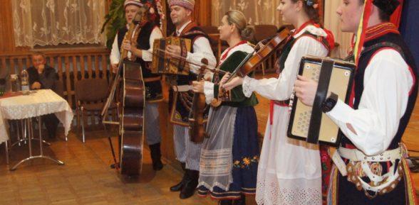 Ostatki z folklorem w Sterkowcu