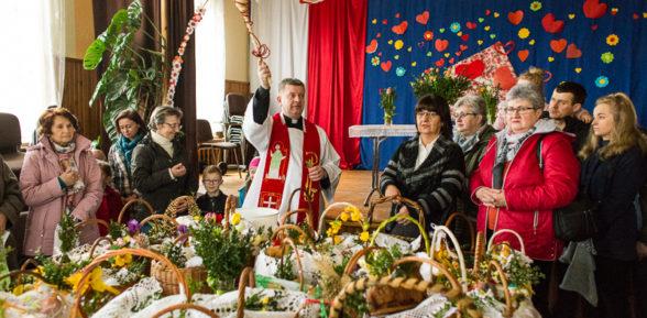 Wielka Sobota – święcenie pokarmów w Sterkowcu